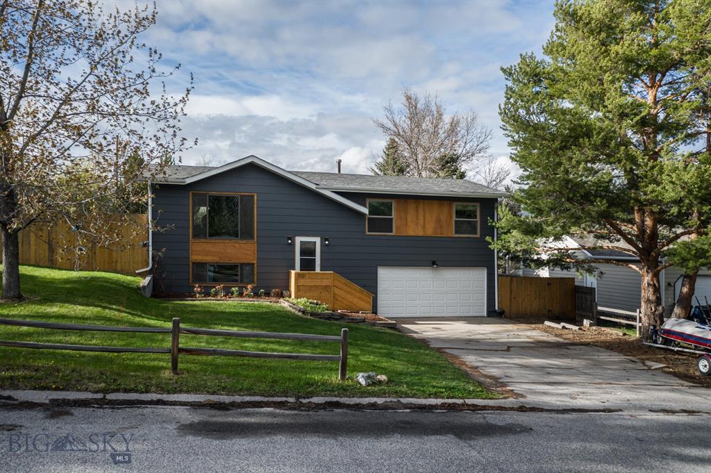1121 S Spruce Property Photo