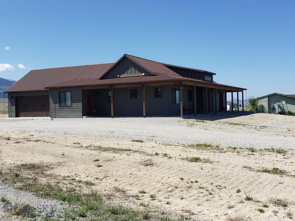 47 Desert Property Photo