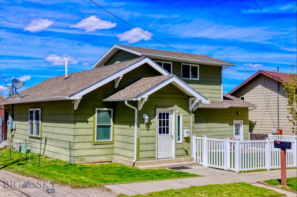 212 E 8th Street Property Photo