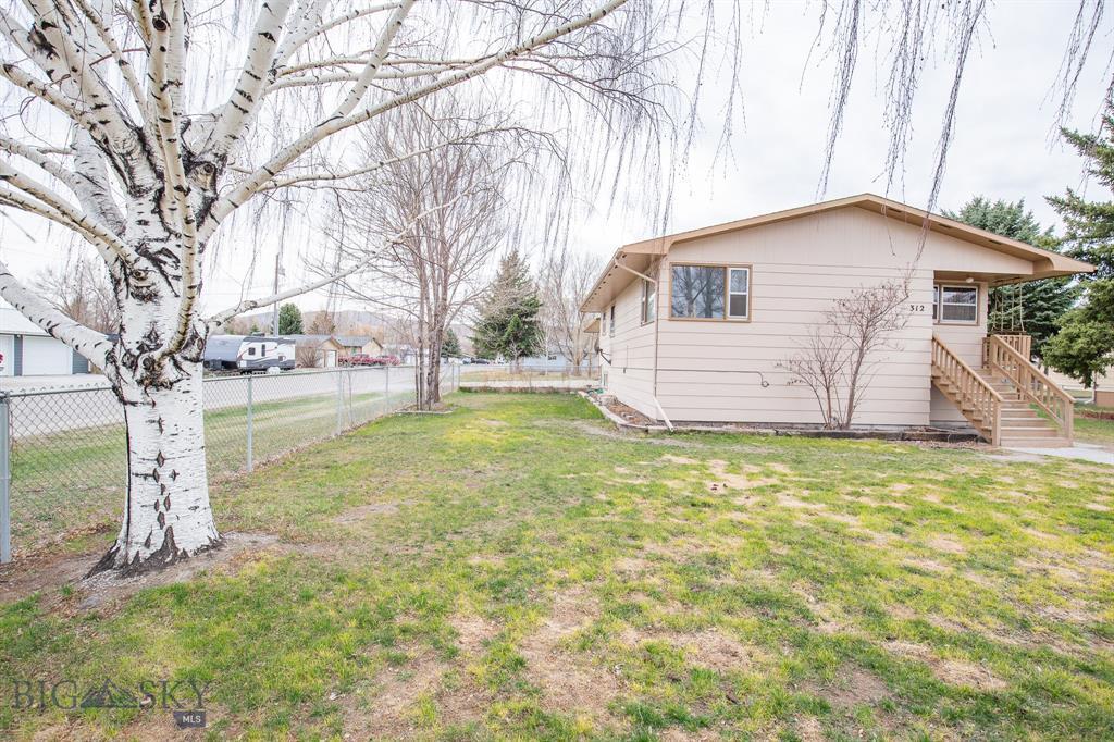 312 S Walnut Property Photo