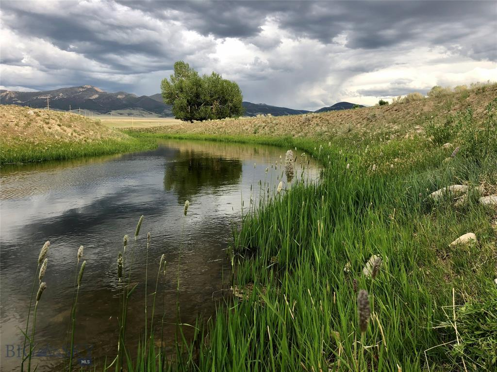 320 Mchessor Creek Road Property Photo