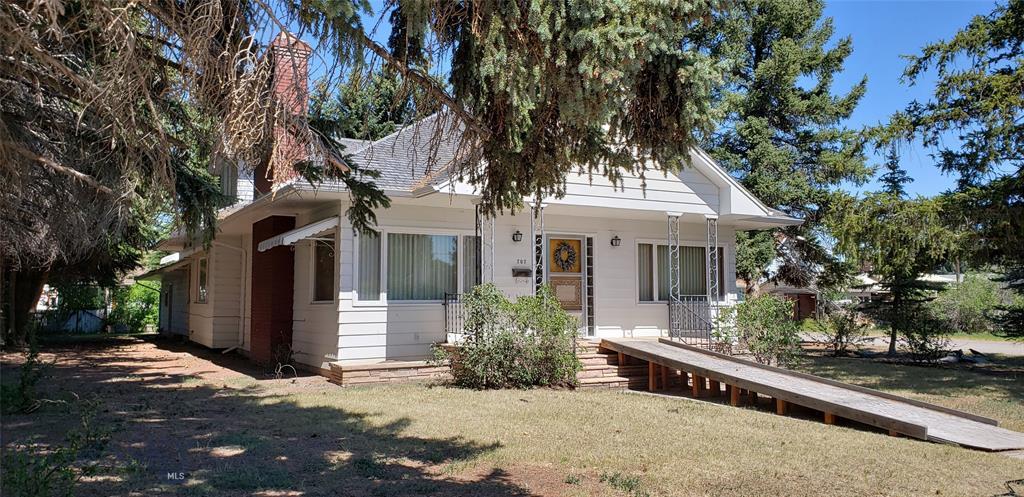 707 S Washington Property Photo