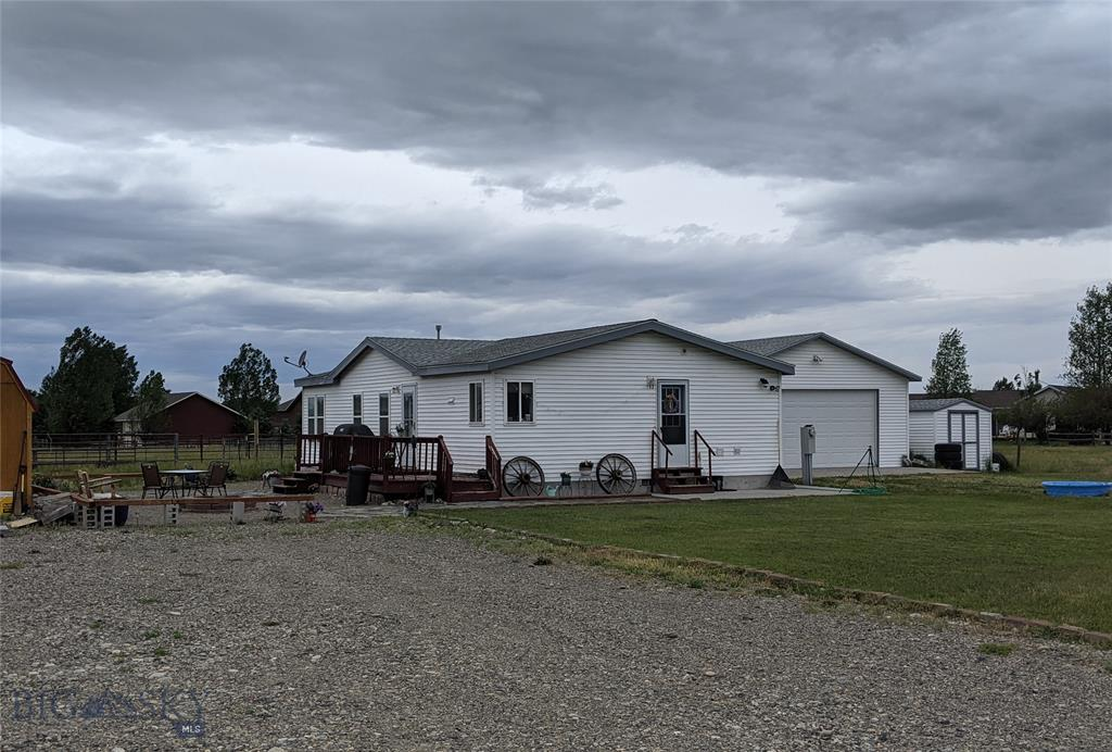 153 Rattler Property Photo