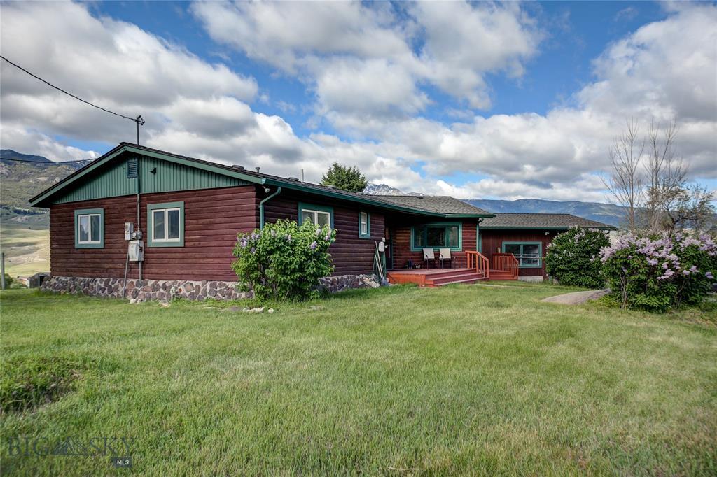 40 Jardine Road Property Photo - Gardiner, MT real estate listing