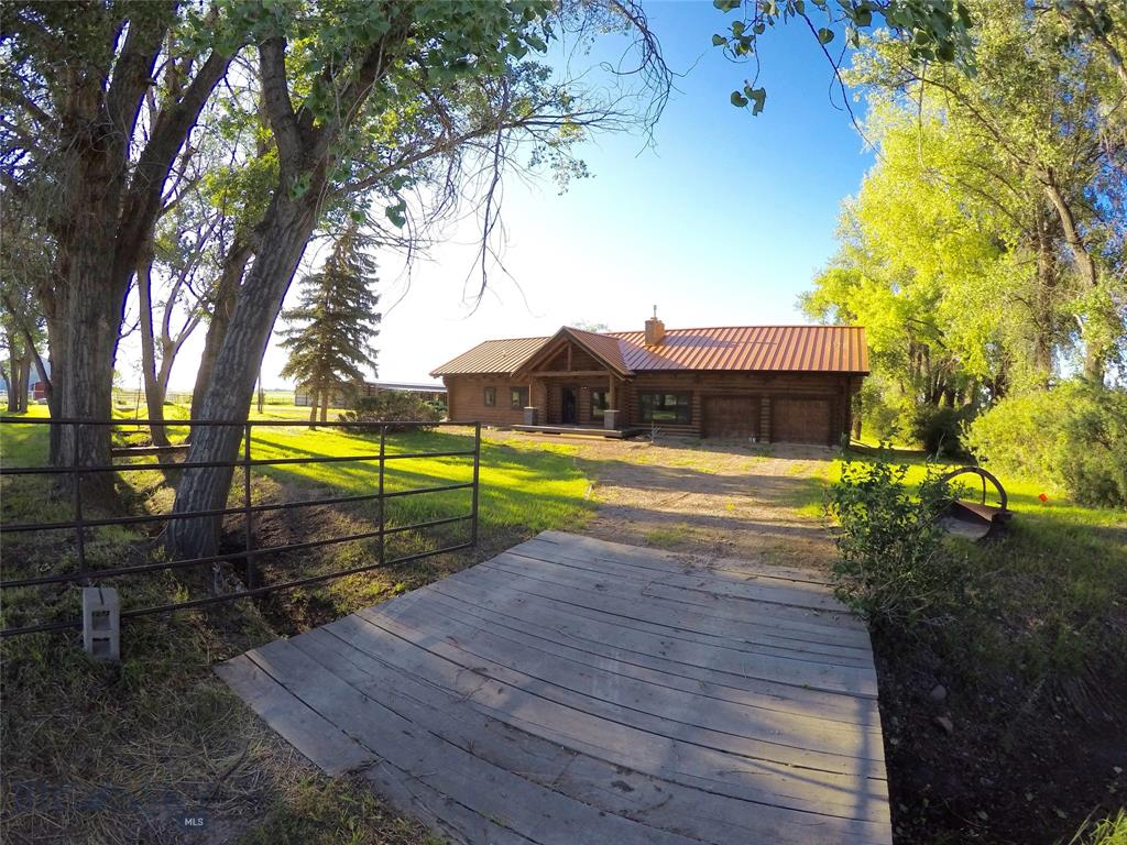 1341 County Line Road #5 acres Property Photo - Fairfield, MT real estate listing