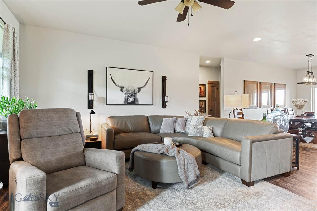3 Feather Meadow Place Property Photo