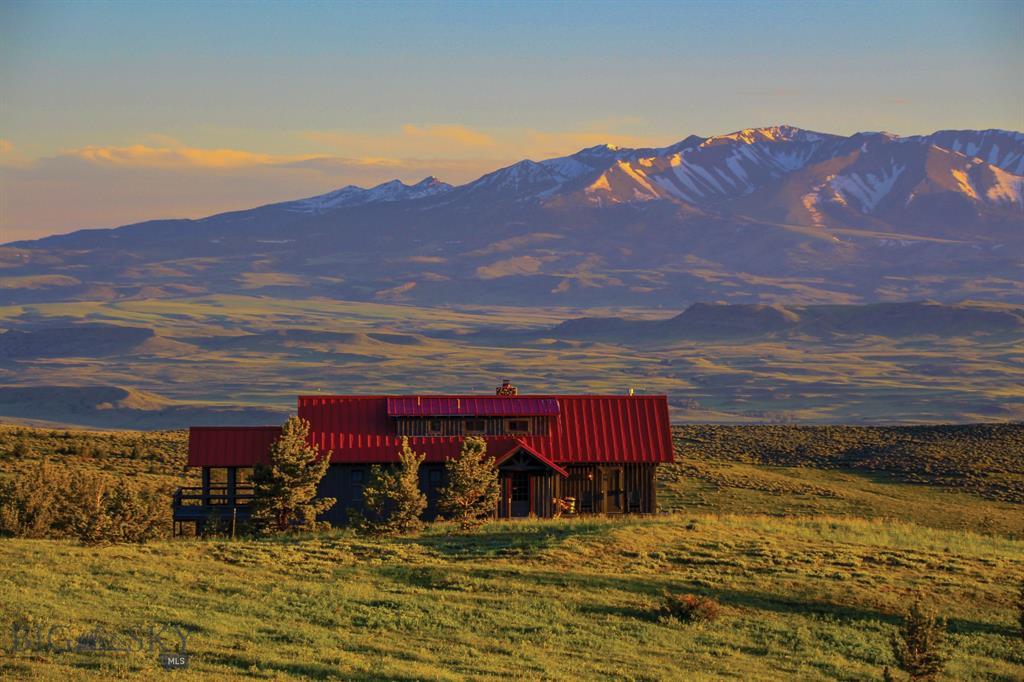 Yellowstone Boulder Divide Ranch Property Photo