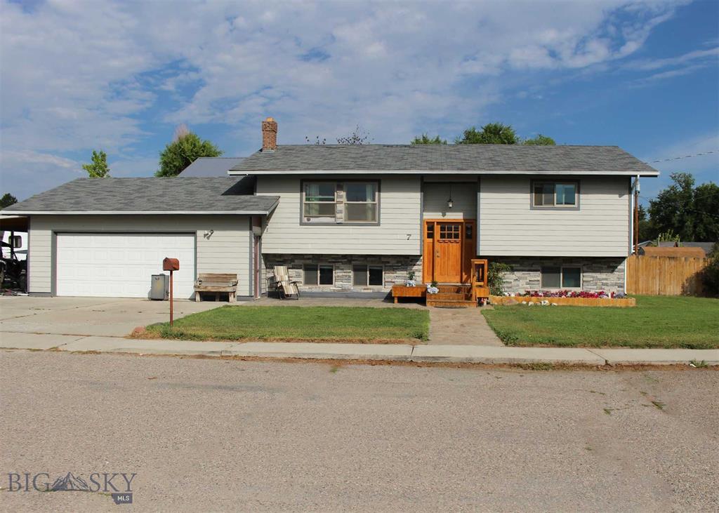 7 N Oregon Street Property Photo