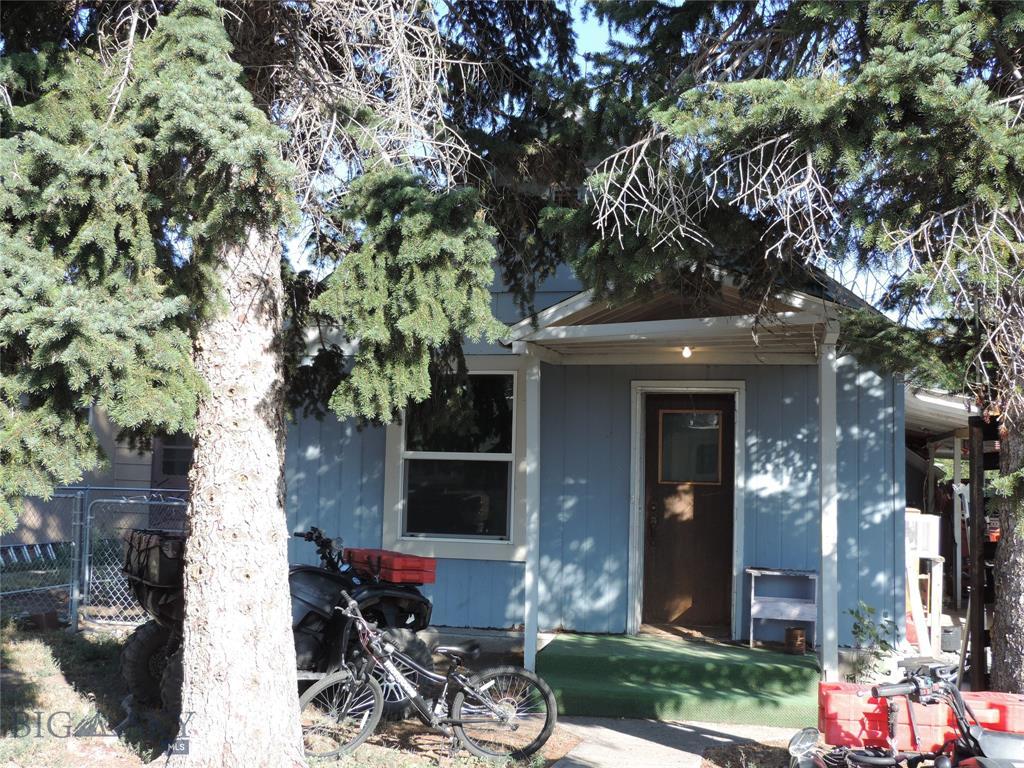 206 W 5th Property Photo