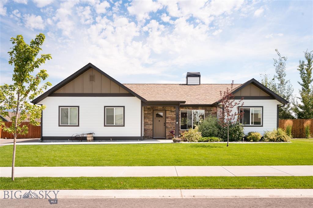 1704 Powers Boulevard Property Photo