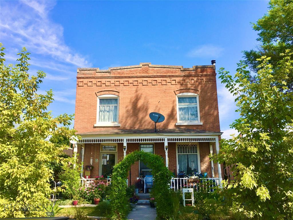 7 1st Street W Property Photo
