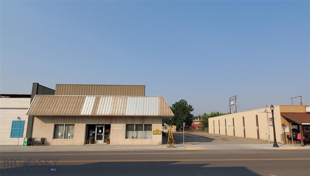 228 S Main Street Property Photo