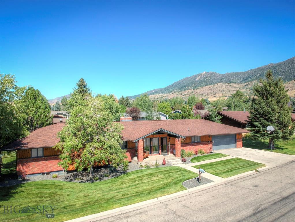 15 Cedar Lake Drive Property Photo