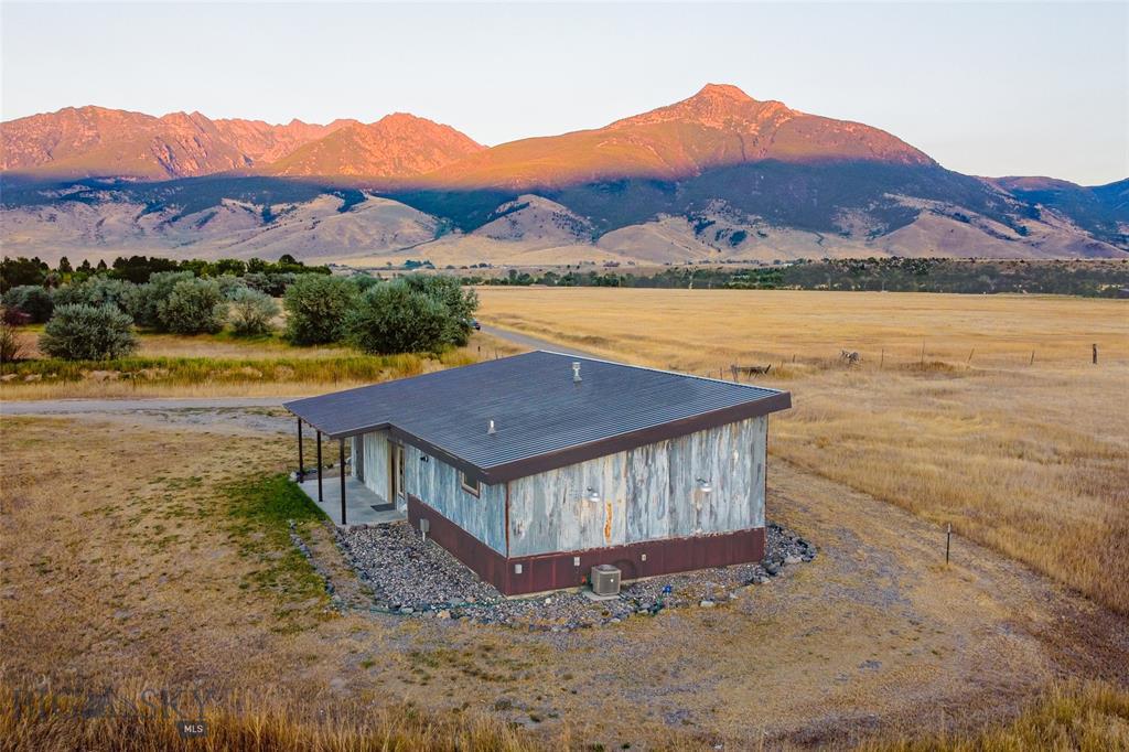 40 Shelter Belt Road Property Photo