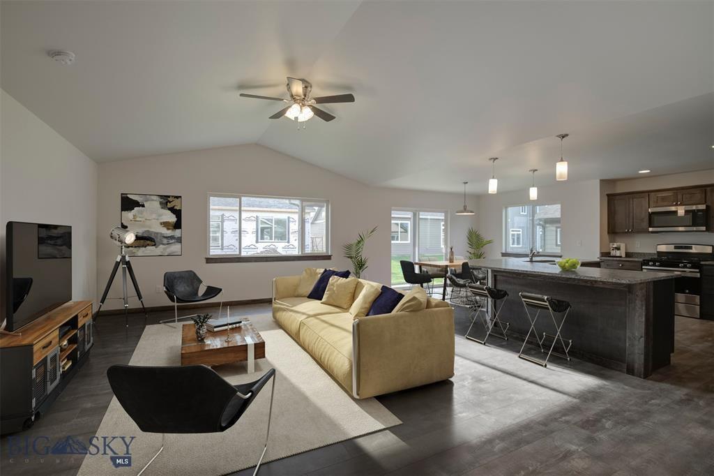 1503 Oakwood Property Photo