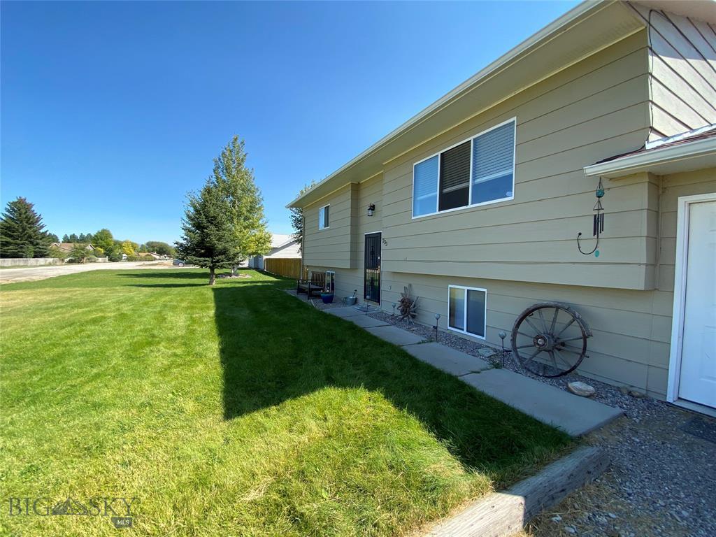 233 Buffalo Drive Property Photo