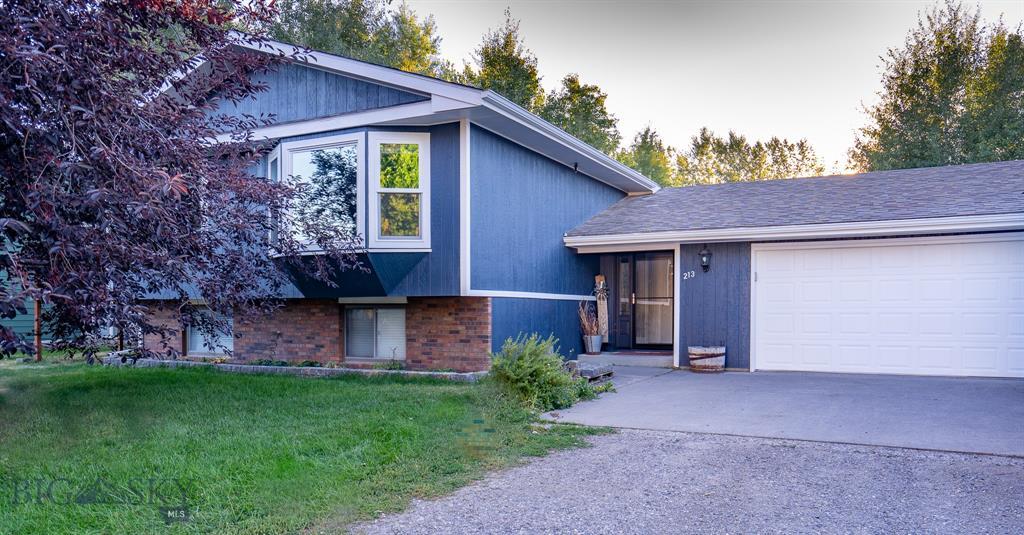 213 Spruce Lane Property Photo