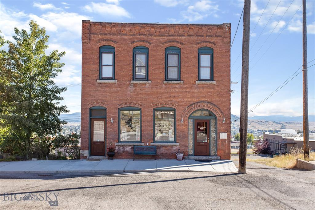 304 E Broadway Street Property Photo