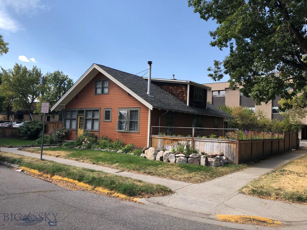 121 N Grand Avenue Property Photo