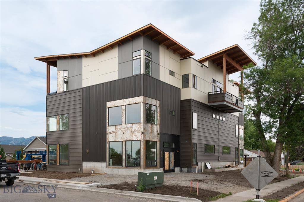 605 W Peach Street #202 Property Photo