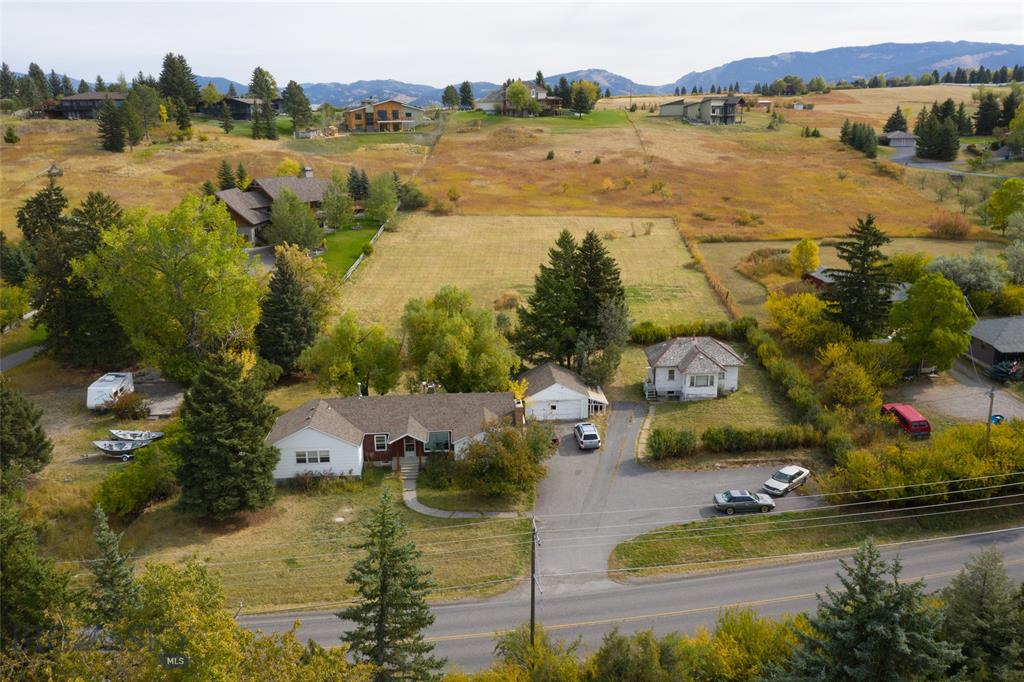 3144,3146 Sourdough Road Property Photo