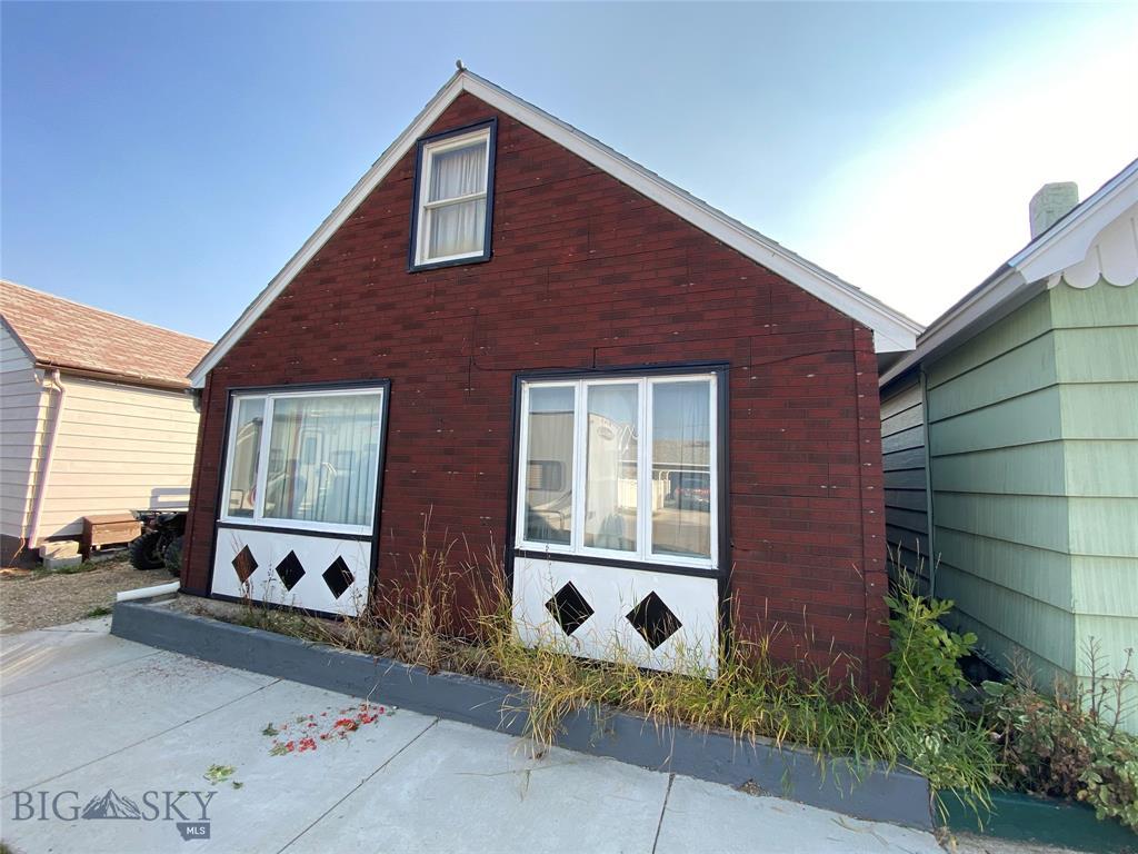 807 W 5th Property Photo