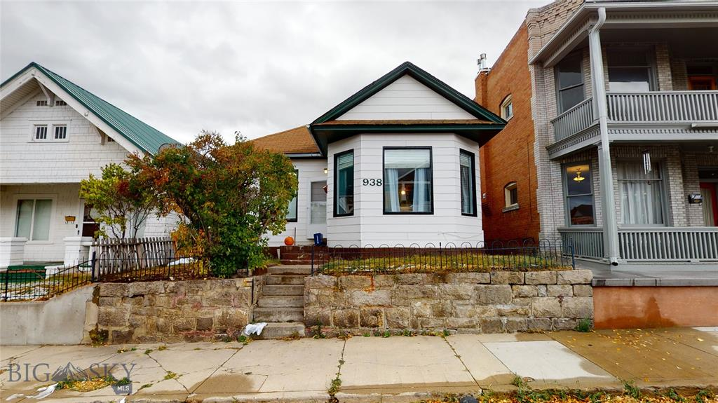 938 W Woolman Property Photo
