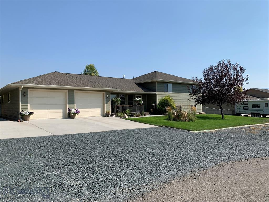 4 Whitetail Drive Property Photo