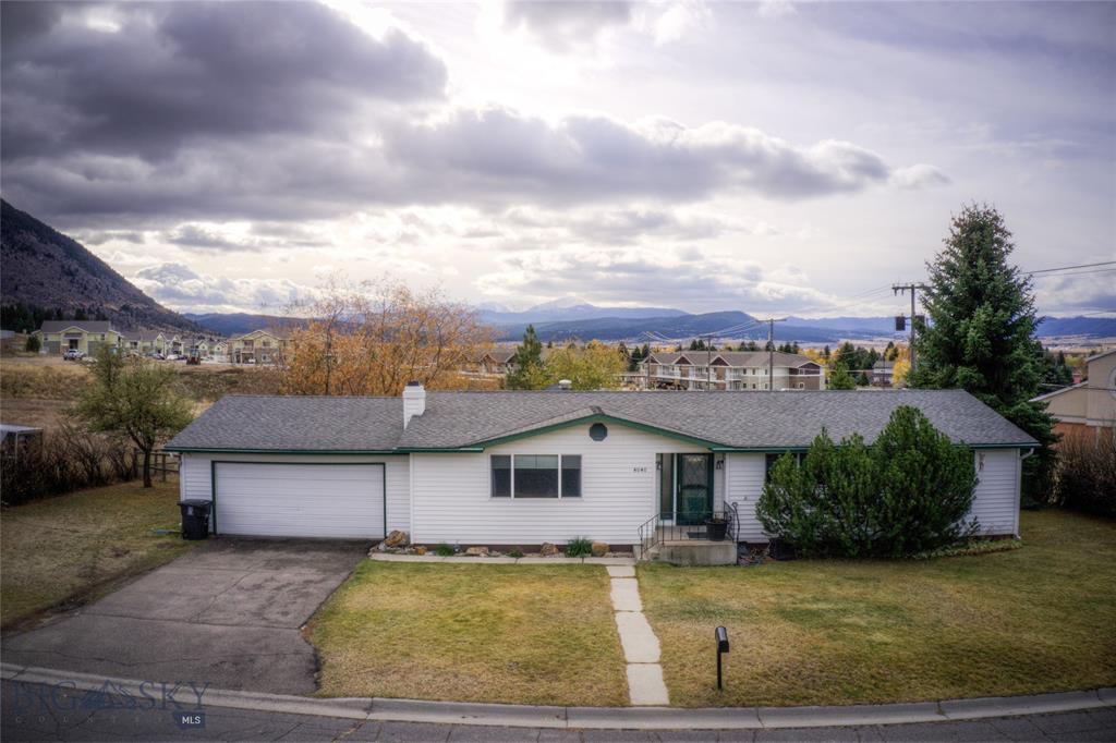 4040 E Lake Drive Property Photo