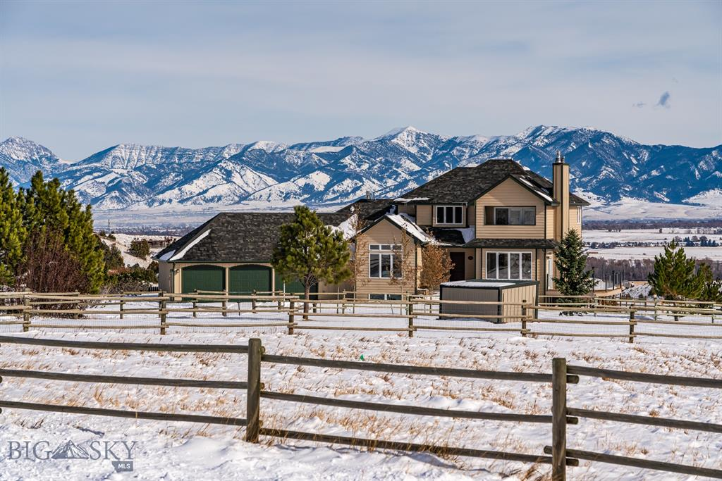 45 Peaks View Property Photo