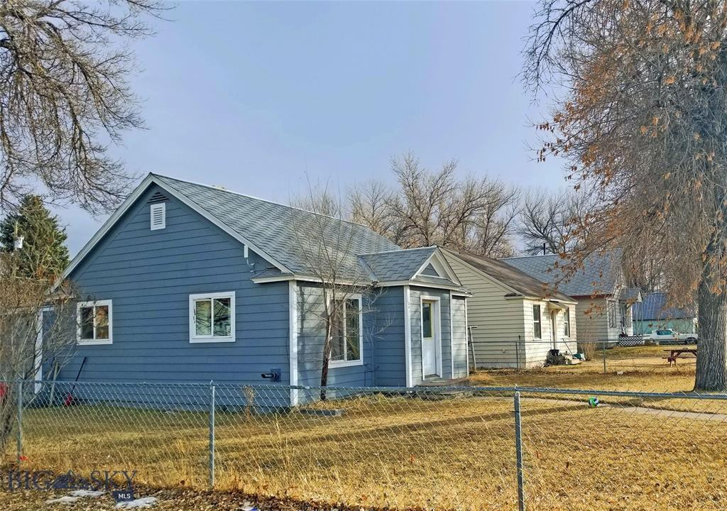 301 S Pine Property Photo
