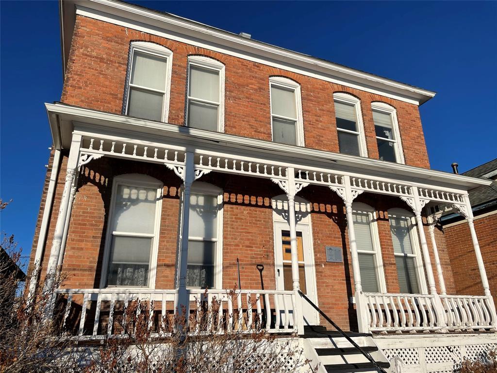 127 E Center Street Property Photo