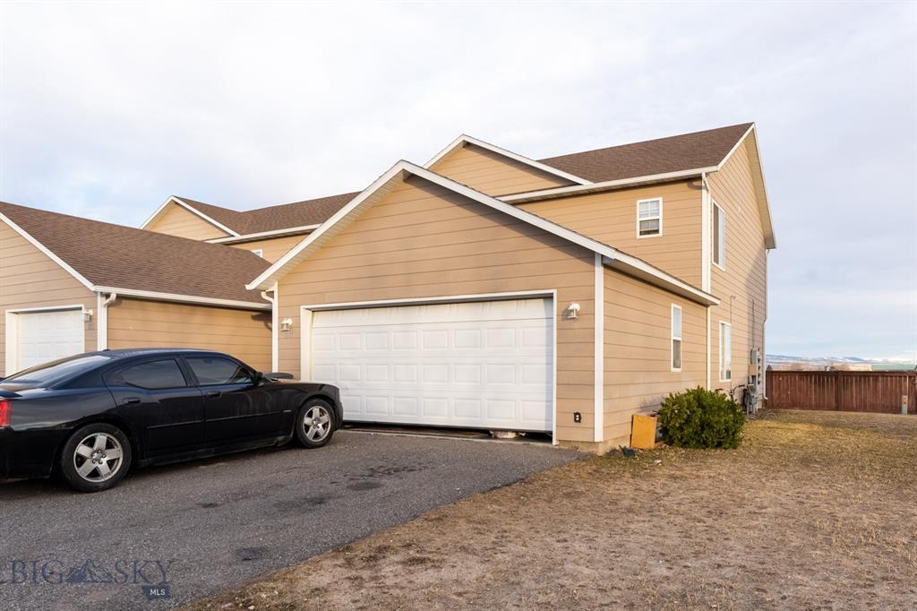1017 N River Rock Drive Property Photo