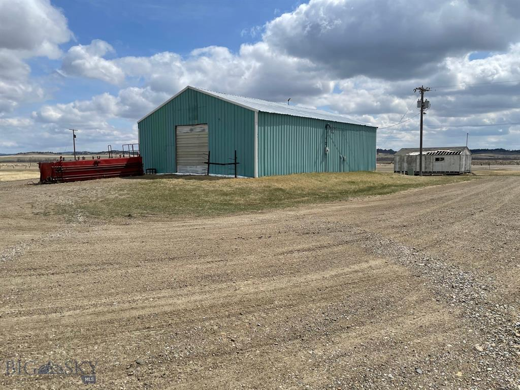 504 2nd Street E Property Photo - Melstone, MT real estate listing