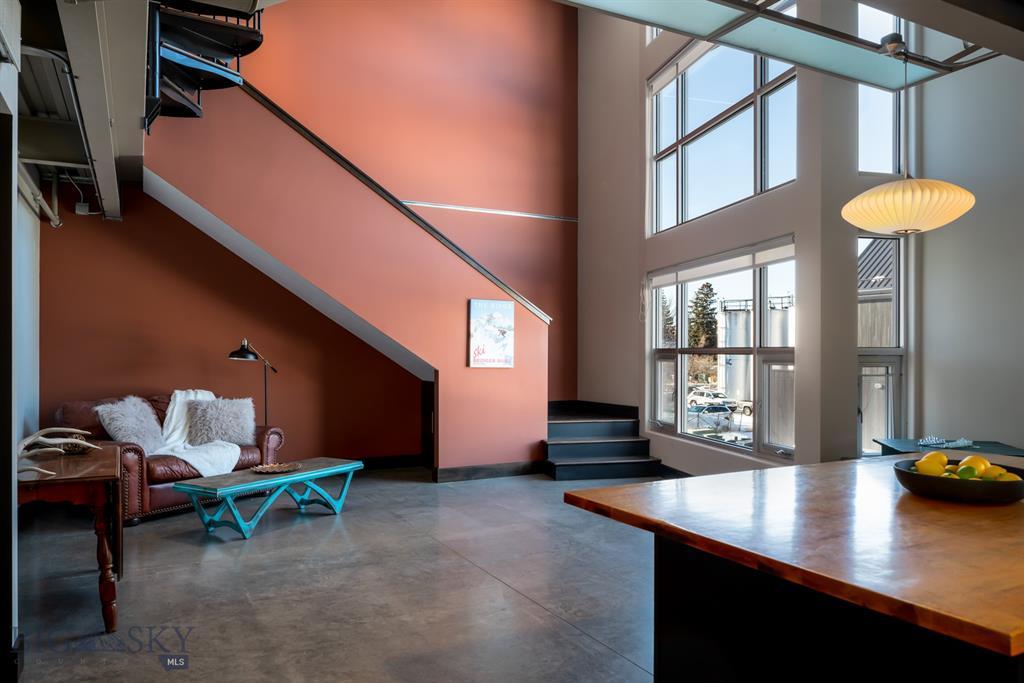 626 E Cottonwood Street #loft-2 Property Photo