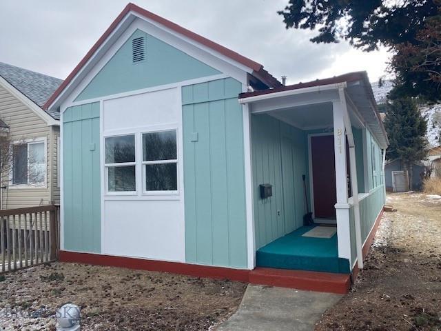 811 E 5th Street Property Photo