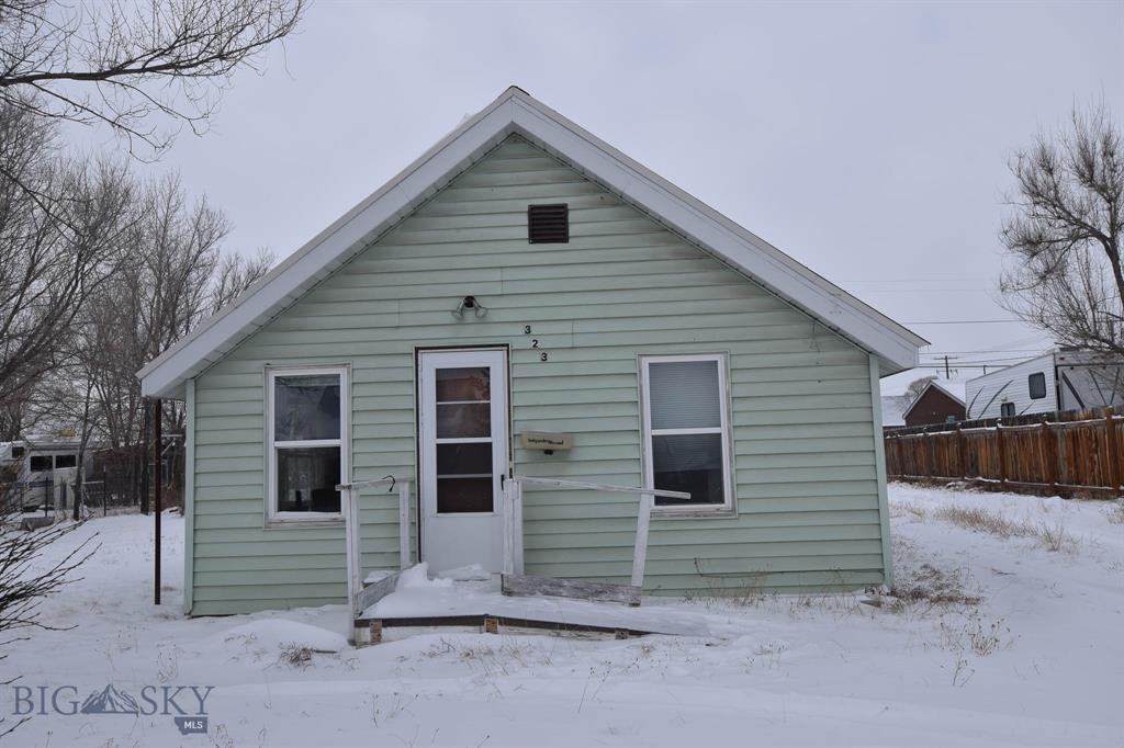 323 N Pine Street Property Photo