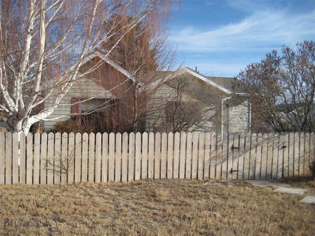 323 S Madison Street Property Photo - Twin Bridges, MT real estate listing