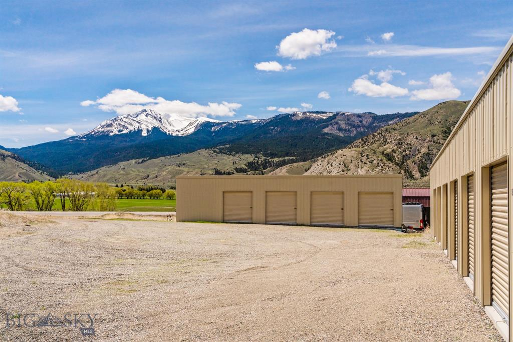 514 US Hwy 89 S Property Photo - Gardiner, MT real estate listing