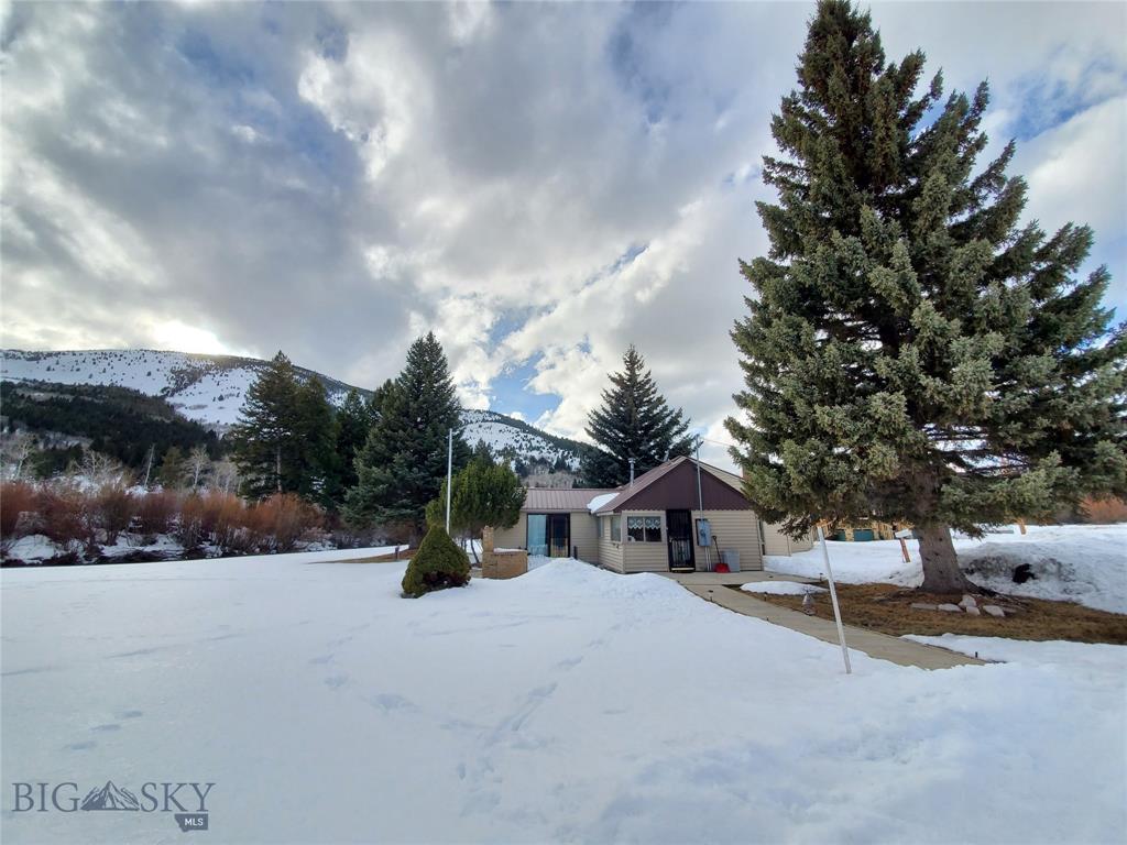179 Memory Drive Property Photo - Anaconda, MT real estate listing