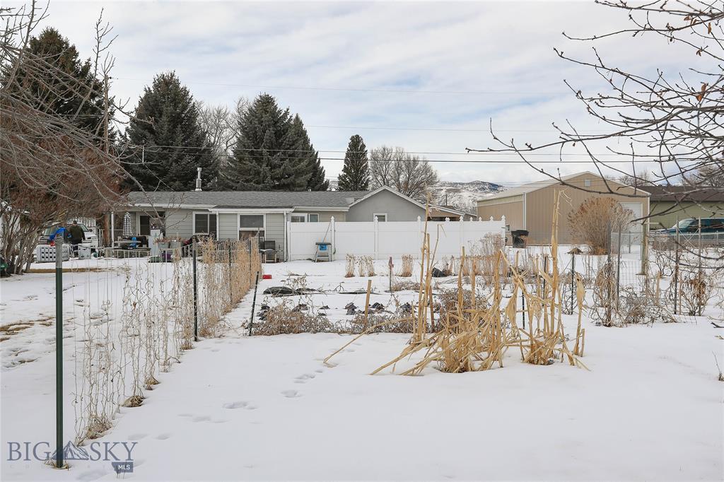 408 S Cedar Street Property Photo