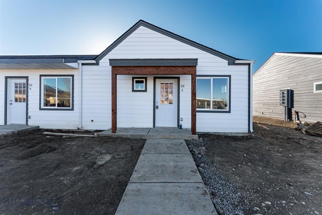 405 Brookline #C Property Photo