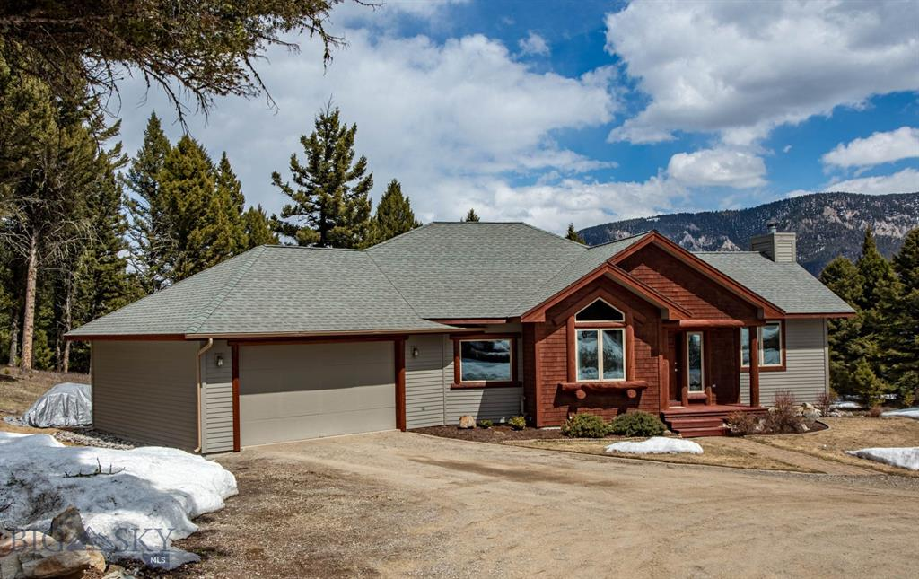 419 Great Gray Hollow Property Photo - Gallatin Gateway, MT real estate listing