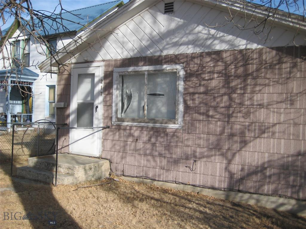 217 S Main Property Photo - Twin Bridges, MT real estate listing