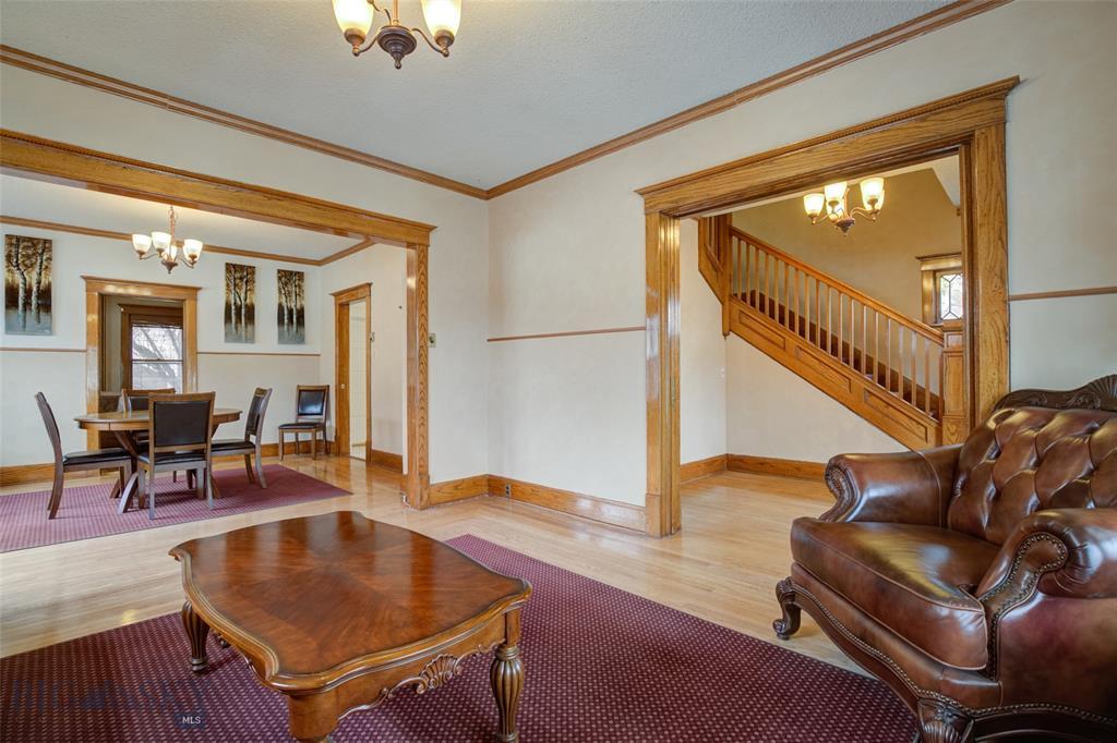 512 W Main Street Property Photo