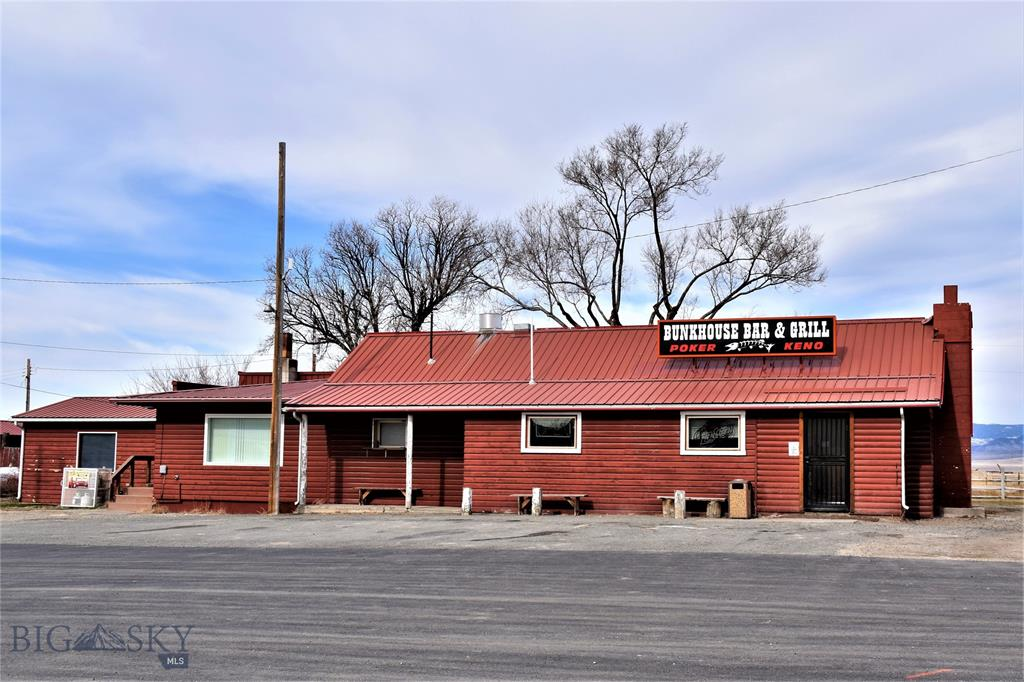 The Bunkhouse Bar & Grill 8846 US-HWY 287 Property Photo - Toston, MT real estate listing