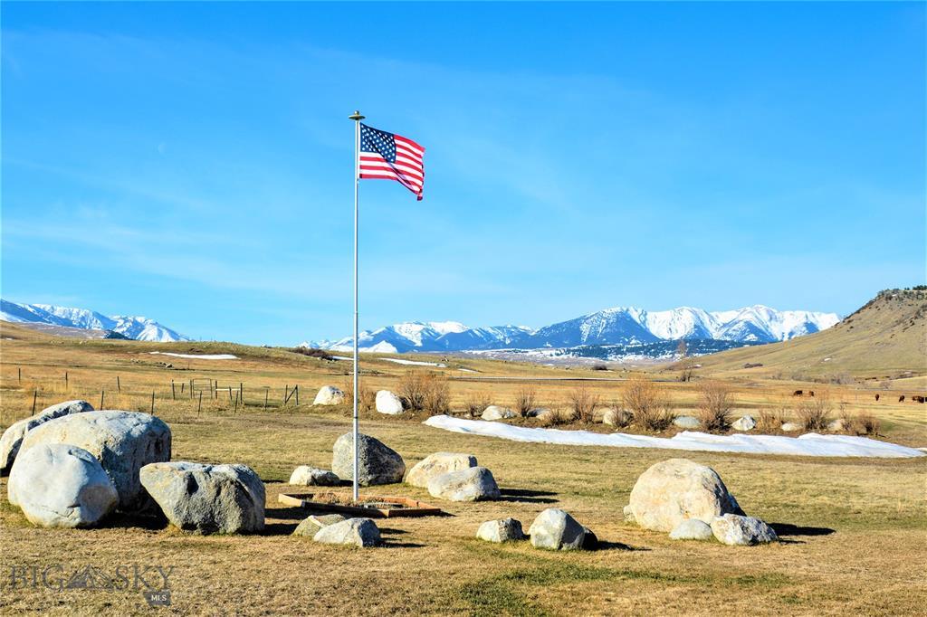 500 W Boulder Road Property Photo - McLeod, MT real estate listing