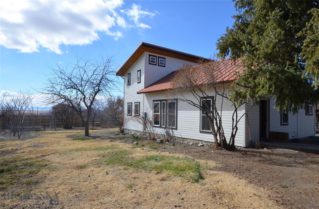 216 W Hamilton Property Photo - Sheridan, MT real estate listing
