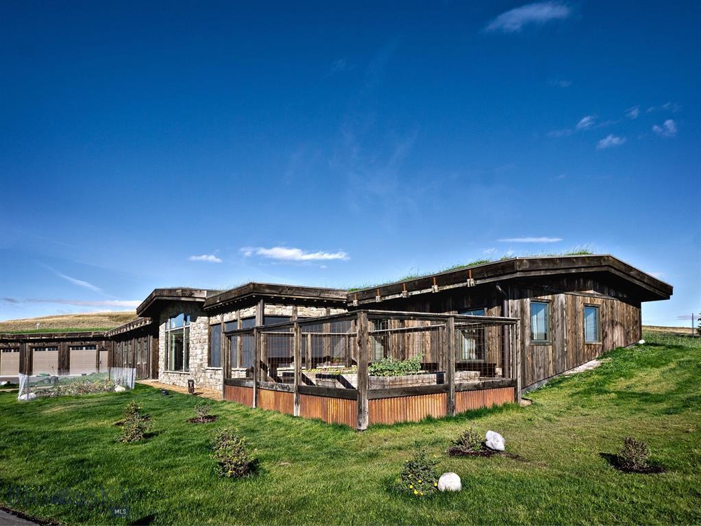 140 Cowboy Trail Property Photo