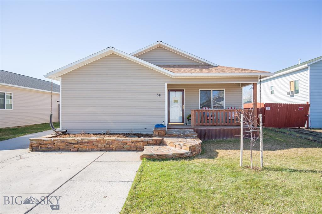 84 W Magnolia Drive Property Photo 1